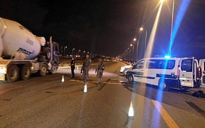 Police at a checkpoint in southern Israel on August 24, 2016. (Police spokesperson)