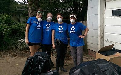 Volunteers from JNOLA, a Jewish young adults' group in New Orleans, at a house affected by the recent flooding in Baton Rouge, Louisiana, Aug. 20, 2016. (Courtesy of the Jewish Federation of Greater New Orleans)