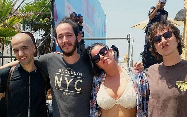 Singer Hanna Goor and her bandmates in Ashdod on Friday, August 26, 2016 (via Instagram)