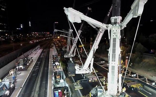 Construction on the Tel Aviv Shalom rail line, August 27, 2016. (Israel Railways)