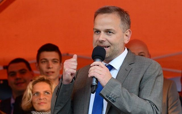 Leif-Erik Holm, top candidate of the anti-migrant populists AfD addresses an election results party on September 4, 2016 in Schwerin, north-eastern Germany. (AFP/dpa/Daniel Bockwoldt)