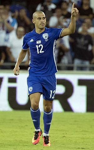 Israel's forward Tal Ben Haim celebrates after scoring during the World Cup 2018 qualification match between Israel and Italy at the Sammy Ofer Stadium in Haifa on September 5, 2016. (AFP PHOTO / JACK GUEZ)