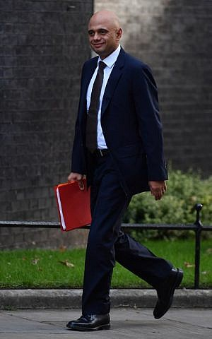British Communities and Local Government Secretary Sajid Javid arrives to attend a cabinet meeting at 10 Downing Street in central London on September 13, 2016. (AFP PHOTO/Ben STANSALL)