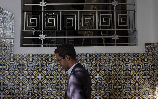 A member of the Jewish Community of Porto walks at the Kadoorie Mekor Haim Synagogue in Porto, on September 2, 2016 before the Shabat celebrations. (AFP PHOTO / MIGUEL RIOPA)