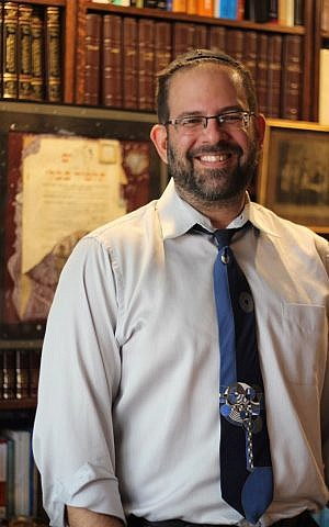 Conservative Rabbi Neil Blumofe in his office at Congregation Agudas Achim in Austin, Texas, August 31, 2016. Ricky Ben-David)
