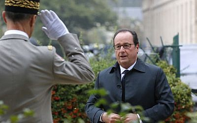 French President Francois Hollande arrives to a ceremony for victims of terrorism in Paris, Monday Sept.19, 2016. (AP Photo/Michel Euler, Pool)