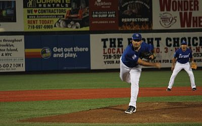 Jason Marquis, who played 15 years in the major leagues, delivering a pitch for Team Israel against Great Britain in Brooklyn, N.Y., Sept. 22, 2016. (Hillel Kuttler via JTA)