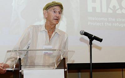 Manfred Lindenbaum, a kindertransport survivor speaks out in support of refugees. (Gili Getz/HIAS)
