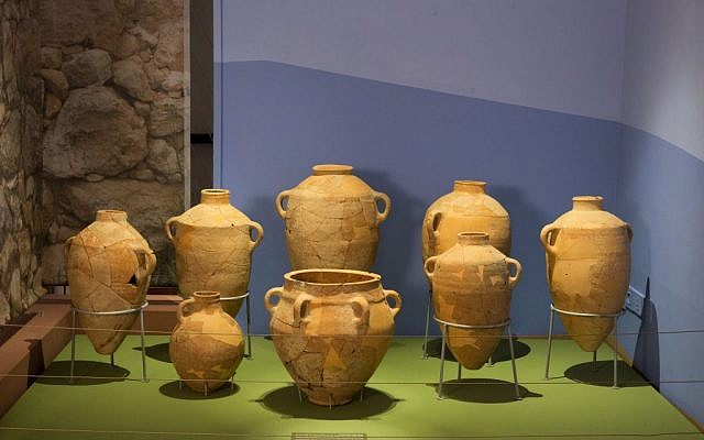 Ceramic jars from Khirbet Qeiyafa on display at The Bible Lands Museum. (Bible Lands Museum)