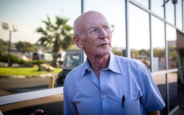 Professor Raphy Walden, son-in -law and personal physician of former Israeli president Shimon Peres, outside Sheba Medical Centre near Tel Aviv, September 14, 2016. (Miriam Alster/Flash90)