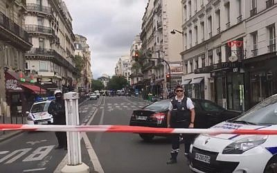 Illustrative photo of police in central Paris. (screenshot: YouTube)