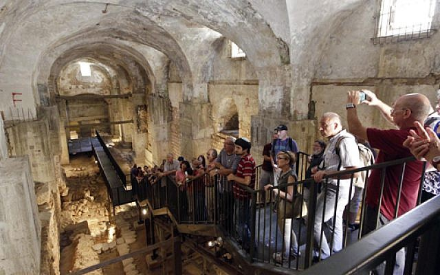 Houses from Within tours offer the opportunity to view modern and ancient interiors in Jerusalem, October 26-28, 2017. Image from September 22-24, 2016. (Courtesy Houses from Within/File)