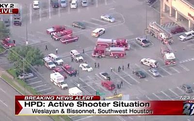 Screenshot from a shooting scene at a strip mall in Houston, Texas September 26, 2-16. (KPRC)