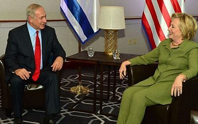 Prime Minister Benjamin Netanyahu meets with Democratic president candidate Hillary Rodham Clinton in New York, September 25, 2016 (Kobi Gideon/GPO)