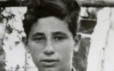 Shimon Peres as a child on a trip with the General Federation of Students and Young Workers (Shimon Peres Archives)