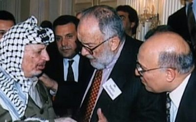 American-Jewish peace activist Stanley K. Sheinbaum with former Palestinian leader Yasser Arafat in 1988. (screen capture: YouTube)
