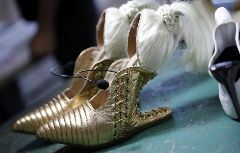 """A picture shows a pair of shoes called """"Blonde Ambition"""" by Israeli shoe designer Kobi Levi at his workshop in Tel Aviv, on October 5, 2016. (AFP PHOTO / THOMAS COEX)"""
