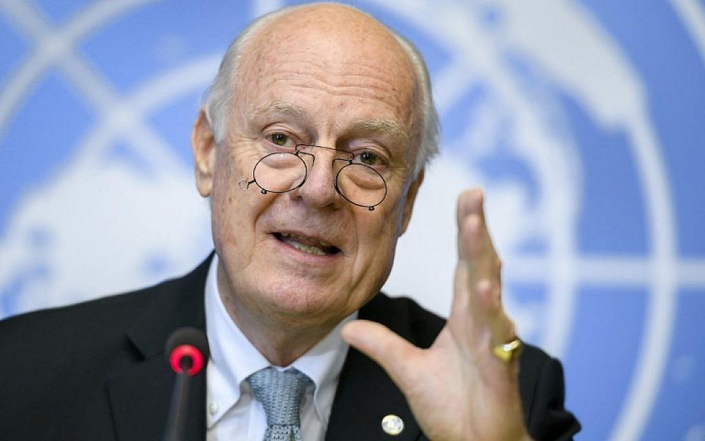 The UN's Syria envoy Staffan de Mistura holds a press briefing on the Aleppo situation at the UN offices in Geneva on October 6, 2016. (AFP PHOTO/FABRICE COFFRINI)