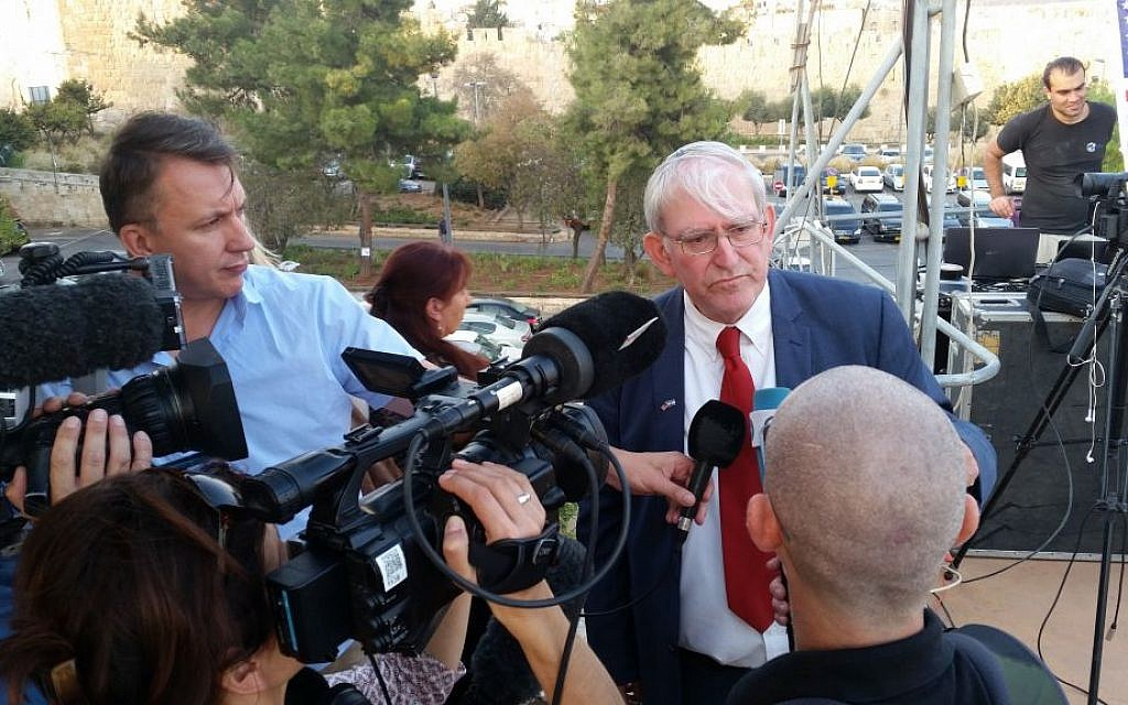 Marc Zell, co-chair of Republicans Overseas Israel, speaking to reporters at pro-Trump event in Jerusalem, October 26, 2016. (Raphael Ahren/Times of Israel)