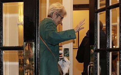Jessica Leeds enters her apartment building, Wednesday, Oct. 12, 2016, in New York. Leeds was one of two women who told the New York Times that Republican presidential candidate Donald Trump touched her inappropriately. (AP Photo/Julie Jacobson)