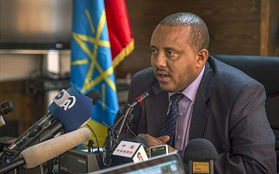 Ethiopia's Communication Affairs Minister Getachew Reda speaks to media about the current unrest in the country, in the capital Addis Ababa, Ethiopia, October 10, 2016. (AP Photo/Mulugeta Ayene)