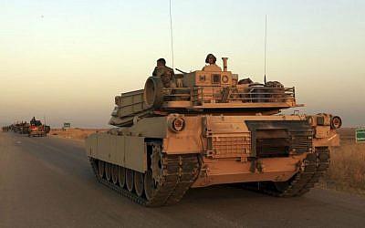Iraq's elite counterterrorism forces advance near Mosul, Iraq, October 20, 2016. (AP/Khalid Mohammed)