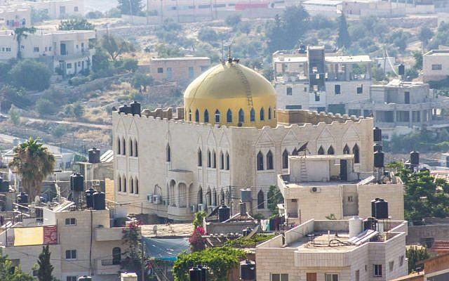 Mosque of Umar in Nuba, West Bank. (Assaf Avraham)