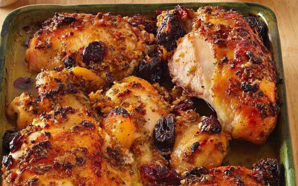 Shabbat Chicken with Dried Fruit (Elizabeth Kurtz/JTA)