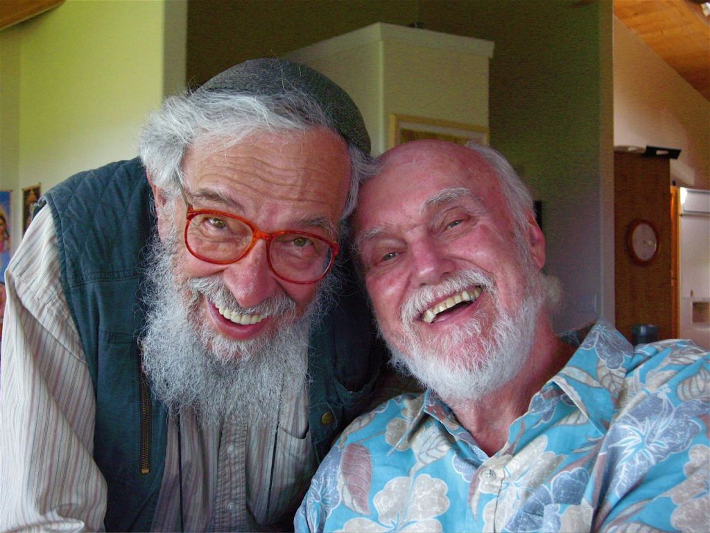 Rabbi Zalman Schachter-Shalomi (left) with Ram Dass. (Joan Halifax/Wikimedia commons)