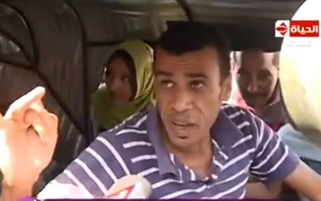 An unnamed Cairo rickshaw driver rages against Egypt's economic woes in an October 2016 video that quickly went viral (screen capture: Facebook)