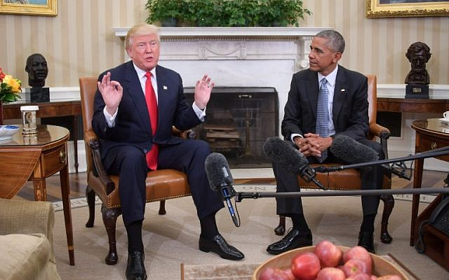 President Barack Obama meets with President-elect Donald Trump to update him on transition planning in the Oval Office at the White House on November 10, 2016 in Washington, DC. (AFP/Jim Watson)