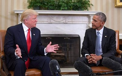 US President Barack Obama meets with Republican President-elect Donald Trump to update him on transition planning in the Oval Office at the White House on November 10, 2016 in Washington,DC. (AFP PHOTO/JIM WATSON)