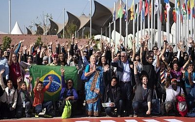 Members of International delegations pose for a group photo outside the COP22 climate conference on November 18, 2016, in Marrakesh, Morocco. (Fadel Senna/AFP)