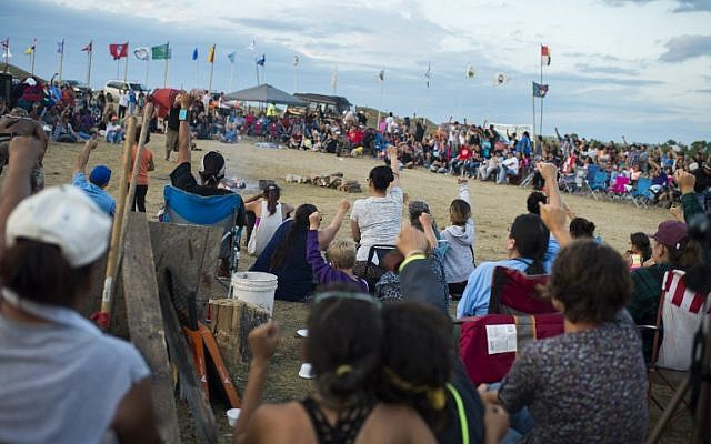 Members of the Standing Rock Sioux tribe and their supporters gathering to voice their opposition to the Dakota Access Pipeline in North Dakota, September 3, 2016 (DAPL). (AFP PHOTO / Robyn BECK)