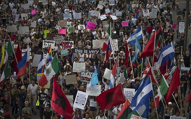 Thousands of protesters march against Donald Trump on November 12, 2016 in Los Angeles, California, United States.(David McNew/Getty Images/AFP)