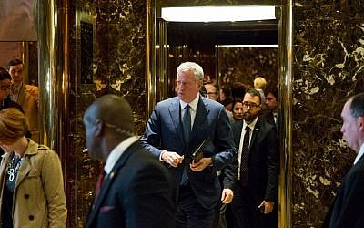 New York City Mayor Bill de Blasio leaves the building following his meeting with President-elect Donald Trump at Trump Tower, in New York, November 16, 2016. (Kevin Hagen/Getty Images/AFP)
