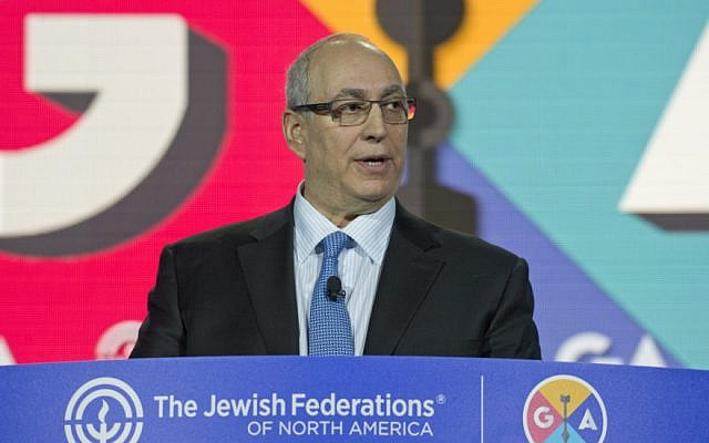 Chemi Peres, a son of former Israeli president Shimon Peres, speaking at the annual General Assembly of the Jewish Federations of North America, November 15, 2016. (Ron Sachs)