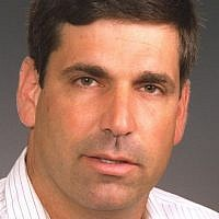 Former energy minister and Tzomet/Yiud Knesset member Gonen Segev, who was convicted in 2005 of drug smuggling, forgery and fraud. (Saar Yaakov/GPO)