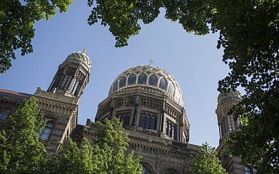 Illustrative: The Great Synagogue in Berlin, Germany. May 13, 2016.  (Hadas Parush/Flash90)