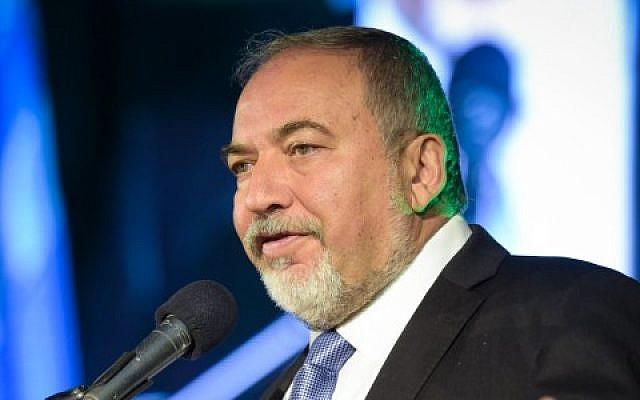 Defense Minister Avigdor Liberman in Tel Aviv, November 3, 2016. (Flash90)