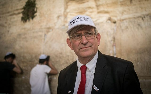 Marc Zell, co-chair of Republicans Overseas Israel, visits the Western Wall in Jerusalem's Old City on November 9, 2016, a day after Donald Trump won the 2016 US election. (Yonatan Sindel/Flash90)