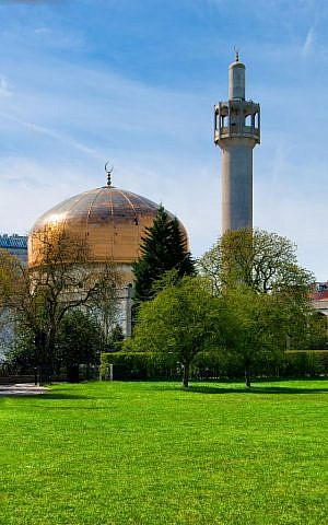 The London Central Mosque. (CC BY 3.0 /Asim Saleem/Wikimedia)