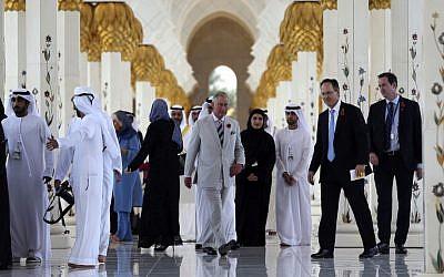 Britain's Prince Charles visits the Sheikh Zayed Grand Mosque in Abu Dhabi, United Arab Emirates, Sunday, Nov. 6, 2016. (AP/Kamran Jebreili)