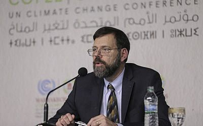 US State Department Special Envoy for Climate Change, Jonathan Pershing, holds a press conference at the Climate Conference, known as COP22, in Marrakech, Morocco, November 14, 2016. (AP/Mosa'ab Elshamy)