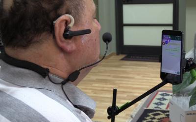 Giora Livne uses Sesame Enable's hands-free phone technology (Screenshot)