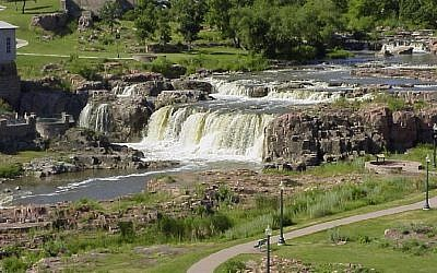Falls of the Big Sioux River, Sioux Falls, September 13, 2007 (Wikimedia/public domain)