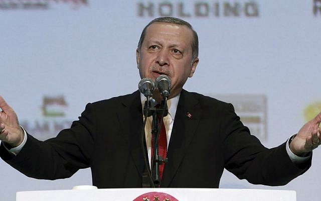 Turkey's President Recep Tayyip Erdogan addresses a business meeting in Istanbul, Wednesday, Nov. 9, 2016. (Murat Cetinmuhurdar/Presidential Press Service, Pool photo via AP)