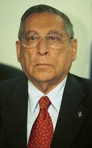 Portrait of then-tourism minister Rehavam Ze'evi, March 11, 2001. (Flash90)