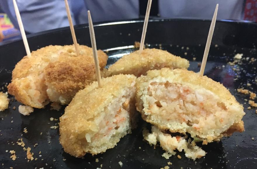 Dyna Sea 'surimi' crab cakes (Josefin Dolsten)