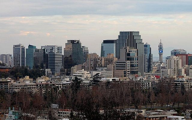 A view of downtown Santiago, Chile. (CC BY-SA, Foncea/ Wikimedia)